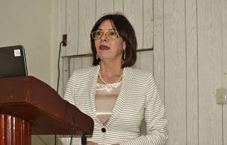 La Atención Primaria no arranca por intereses económicos