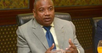 El Dr. Santos Ramírez asegura médicos no deben pagar impuestos