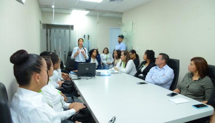 SeNaSa realiza taller sobre trato a personas con discapacidad