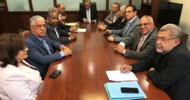 Médicos y clínicas piden a ministro de Trabajo fecha para revisar acuerdo con ADARS