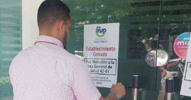 ATENCIÓN: Salud Pública cierra otra clínica por incumplimiento de normas Ginecología y Obstetricia Dr. Burgos Mercado