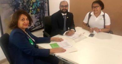 Urólogos firman acuerdo con ARS Simag; reanudan servicios