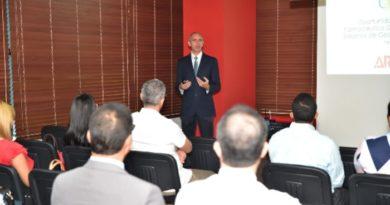 Analizan las oportunidades del sector farmacéutico dominicano en sistemas de gestión internacionales