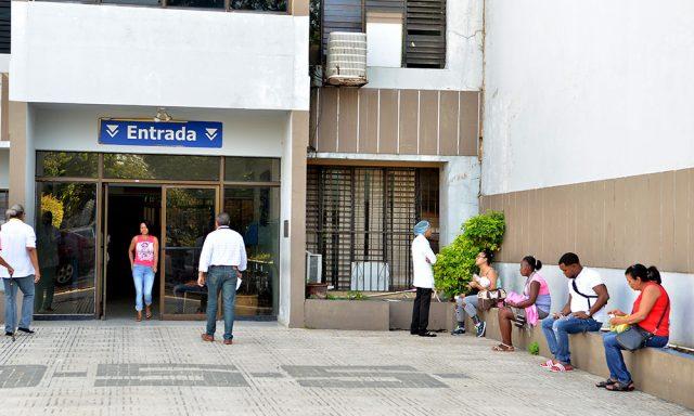 ALERTA: Apagones obligan llevar pacientes a otro hospital