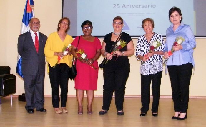 Asociación de Alzheimer celebra su 25 aniversario sin un local para actividades