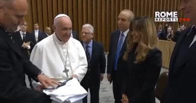 Médicos de New York se reúnen con el Papa en busca de ideas para ayudar a enfermos sin recursos