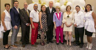 Rowe celebra su 30 aniversario