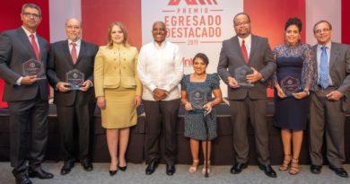 INTEC reconoce egresados destacados en área de la salud
