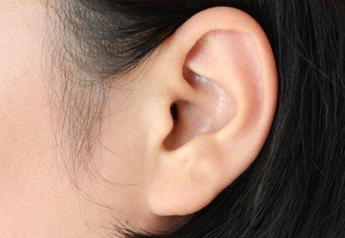 ATENCIÓN: Cómo tratar las infecciones de oídos