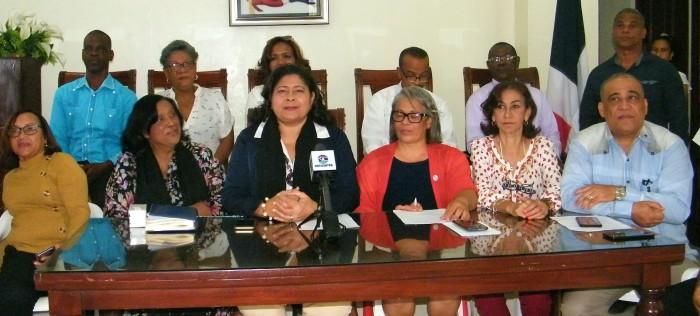 """Piden al presidente intervenir en """"trama"""" contra trabajadores del sector salud"""