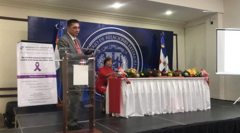 Panel destaca beneficios y avances de la medicina china en el cáncer