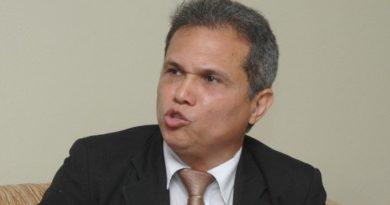 Presidente del CMD denuncia males salud