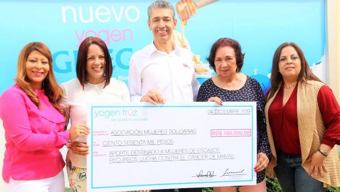 Entregan donativo para lucha contra cáncer de mama