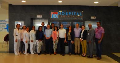 Embajador de Israel visitó el hospital Hugo Mendoza