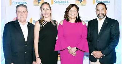 Ofrecen coctel a empresarios de La Romana