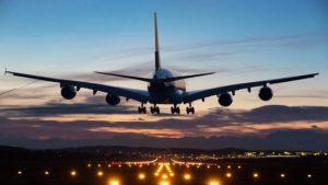 El coronavirus podría provocar pérdidas por 30,000 millones de dólares a aerolíneas