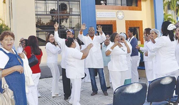 Enfermeras consideran régimen de pensiones conduce a la pobreza