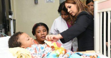 Directora de DIGEPEP visita Hospital Robert Reid Cabral