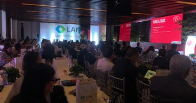 Lam ofreció banquete a los cardiólogos