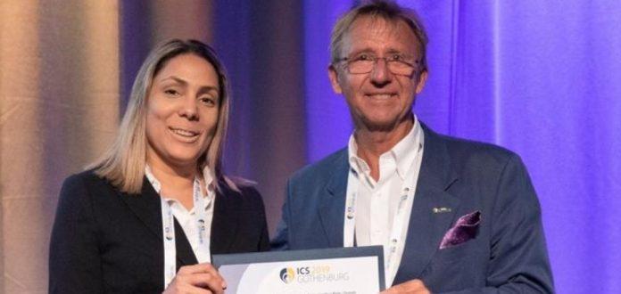 Uróloga dominicana recibe un reconocimiento en Suecia
