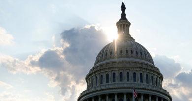 La Casa Blanca y los senadores acuerdan un paquete de estímulo de 2 billones de dólares para aliviar el impacto del coronavirus