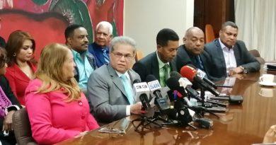 Colegio Médico pide Gobierno declare país en cuarentena por COVID-19