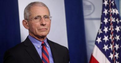 """Principal infectólogo de EE.UU. recomienda no """"volver a dar la mano nunca más"""" tras la pandemia de coronavirus"""