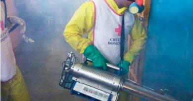 Cruz Roja Dominicana realiza jornadas de desinfección y fumigación en centros penitenciarios y principales sectores de Santo Domingo