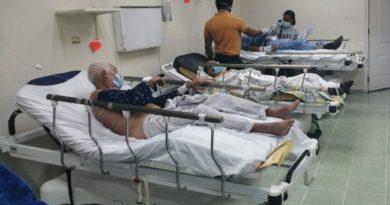 Médicos Gautier temen al contagio por lento traslado de pacientes