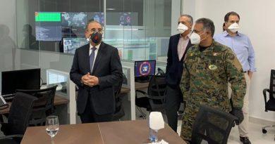Danilo supervisa un nuevo centro para el control del Covid-19