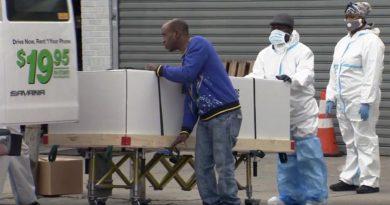 Cien cadáveres se pudren en camiones de mudanzas de la empresa U - Haul en calle de Queens
