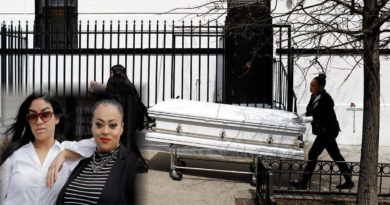 Las hispanas que preparan los muertos por COVID - 19 en una funeraria de Harlem