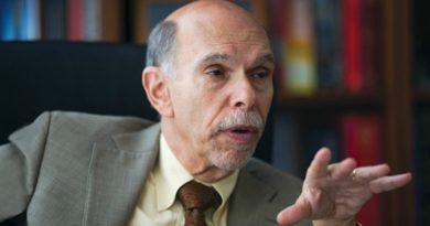 Presidente del hospital Mount Sinai en El Bronx se baja el sueldo de US$5.6 millones para aportar recursos contra el COVID - 19