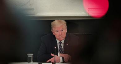 """Un cineasta crea el 'reloj de las muertes de Trump' para contabilizar cuántos estadounidenses murieron por su """"inacción"""" ante el covid-19"""