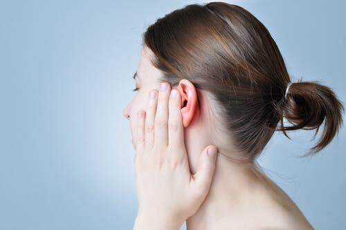 Otomicosis: síntomas, causas y tratamiento
