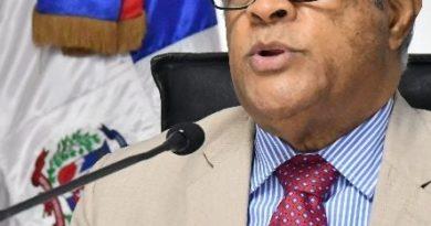 Ministro Salud destituye directora de Epidemiología