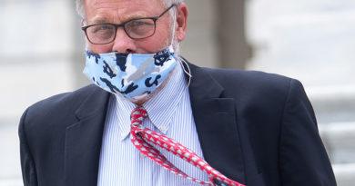 Investigan a senador republicano por tráfico de información privilegiada sobre pandemia de covid-19 en EE.UU.