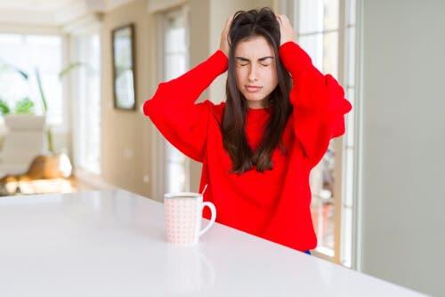 ¿La cafeína pueden desencadenar migrañas?