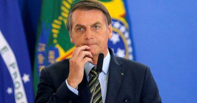 """Bolsonaro justifica cambios en divulgación de reportes diarios del covid-19 tras ser acusado de """"invisibilizar"""" fallecidos"""
