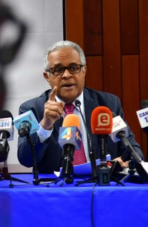 Ministro de Salud: Hay más riesgos de contagio del virus