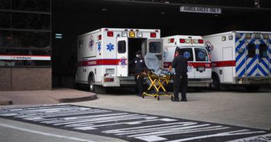 """ATENCIÓN:Un 'millennial' muere tras asistir a una 'fiesta covid-19' pensando que la enfermedad """"era un engaño"""""""