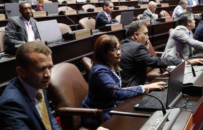 Tres diputados electos con Covid-19 y una veintena de los actuales con sospechas