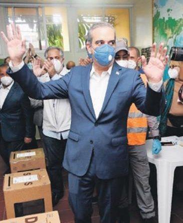 Coronavirus pasa factura a los políticos: Al menos 15 que participaron activamente en campañas han dado positivo