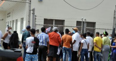 Ministro denuncia intención de caos Laboratorio Defilló
