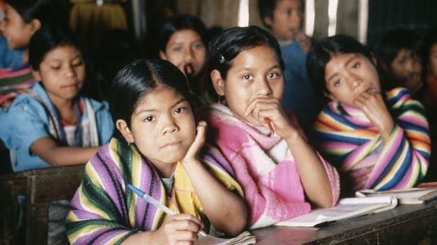 Niños guatemaltecos refugiados en Chiapas.