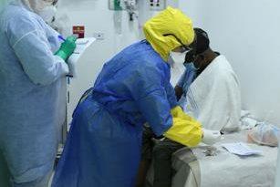 Aumentan contagios mientras se agotan camas en hospitales