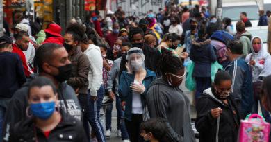 Brasil sobrepasa los 2 millones de casos confirmados de coronavirus en pleno proceso de desescalada