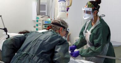 Mujer que pasó 105 días conectada a un respirador artificial y quedó con un pulmón destruido por el covid-19, dada de alta en el Reino Unido