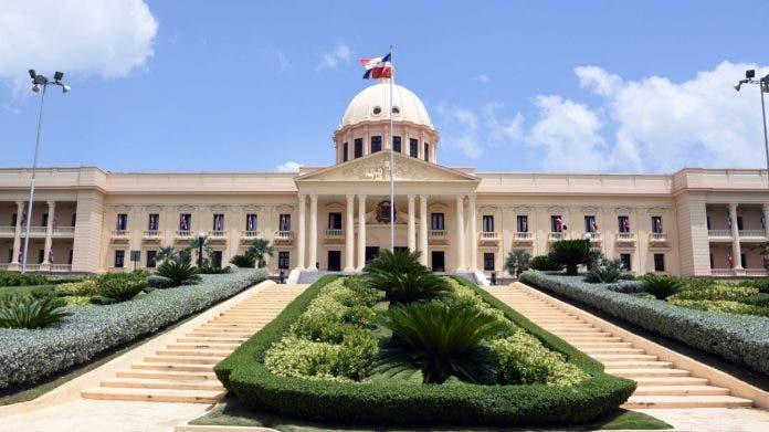 Presidente declara de emergencia compra de insumos y medicamentos para enfrentar el Covid-19
