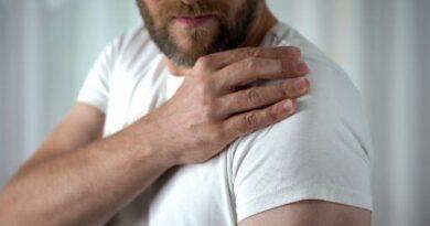 Calcificación en el hombro: síntomas y causas